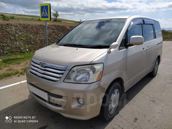 Toyota Noah, 2006 год, 450 000 руб.