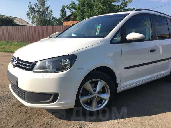 Volkswagen Touran, 2012 год, 600 000 руб.