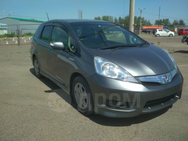 Honda Fit Shuttle, 2013 год, 645 000 руб.