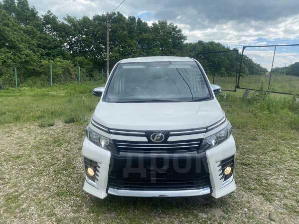 Toyota Voxy, 2015 год, 1 200 000 руб.