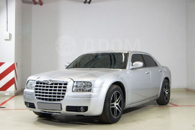 Chrysler 300C, 2004 год, 470 000 руб.