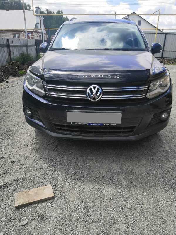Volkswagen Tiguan, 2011 год, 660 000 руб.