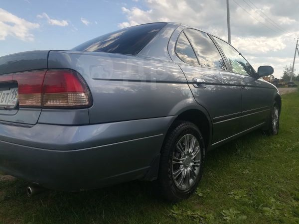Nissan Sunny, 2002 год, 229 000 руб.