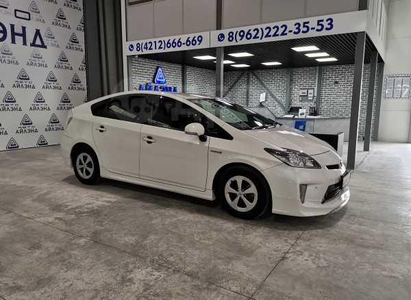 Toyota Prius, 2015 год, 899 000 руб.