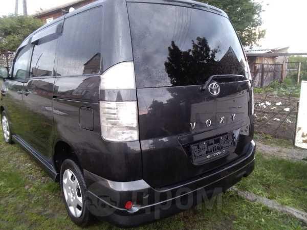 Toyota Voxy, 2007 год, 400 000 руб.