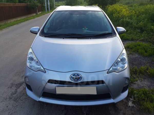 Toyota Aqua, 2013 год, 585 000 руб.