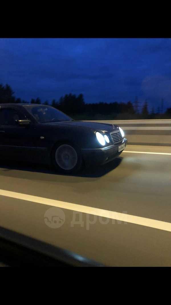 Mercedes-Benz E-Class, 1998 год, 288 000 руб.