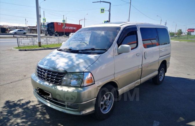 Toyota Grand Hiace, 2002 год, 210 000 руб.