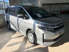 Якутск Toyota Voxy 2017