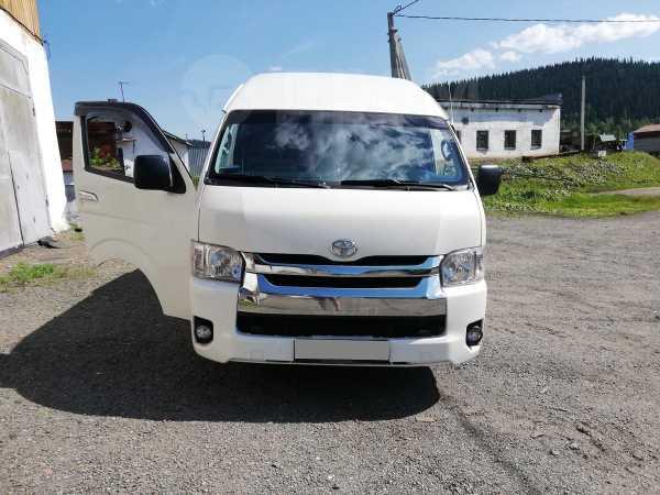 Toyota Hiace, 2013 год, 1 435 000 руб.