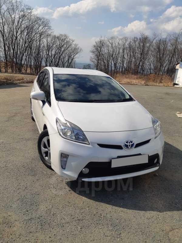 Toyota Prius, 2013 год, 737 000 руб.