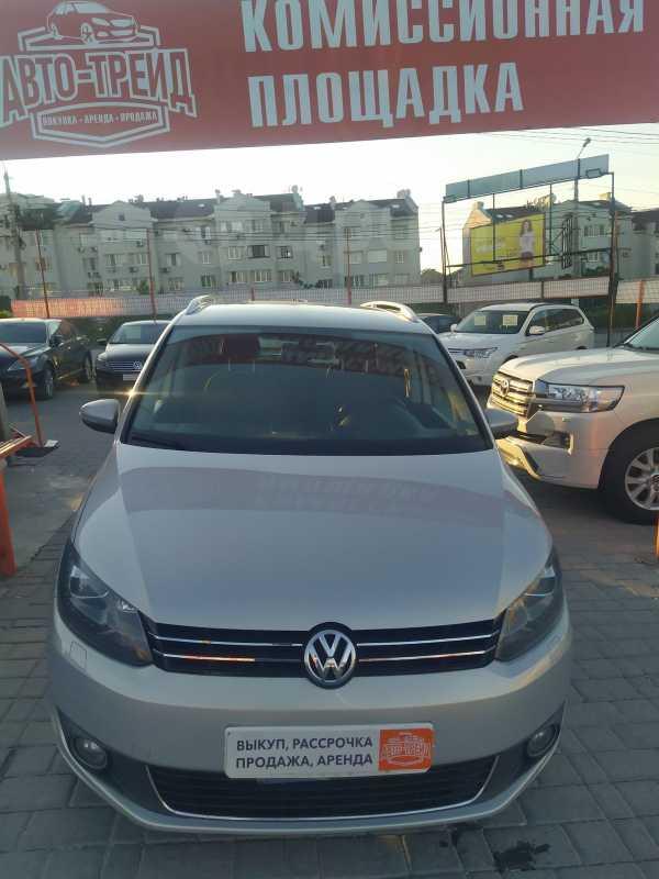 Volkswagen Touran, 2011 год, 498 000 руб.