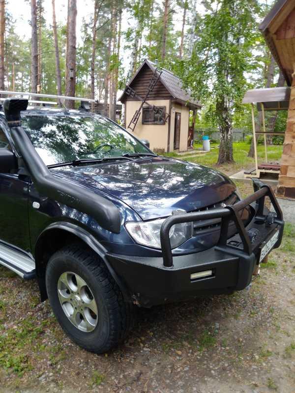 Mitsubishi L200, 2011 год, 805 000 руб.