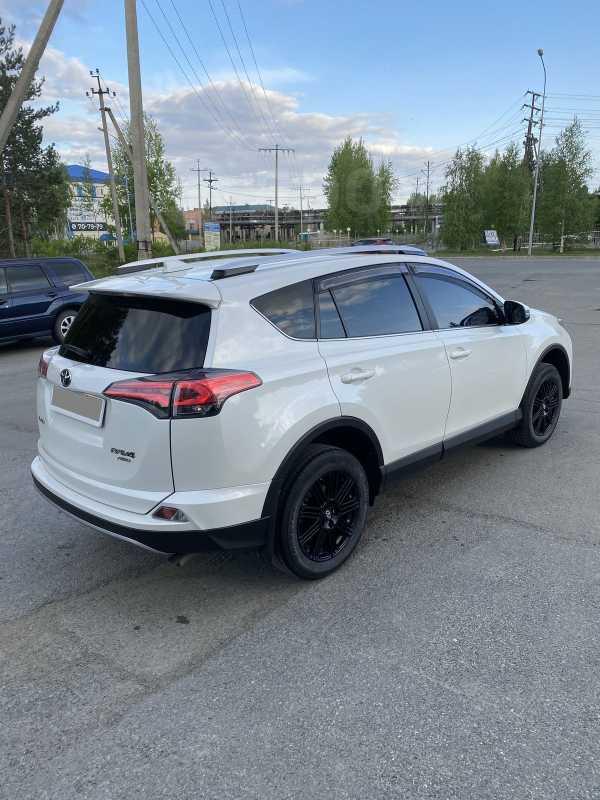Toyota RAV4, 2017 год, 1 920 000 руб.