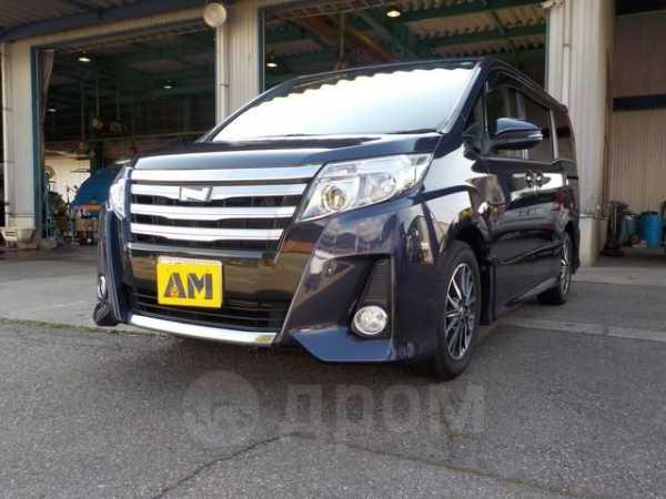 Toyota Noah, 2015 год, 1 170 000 руб.