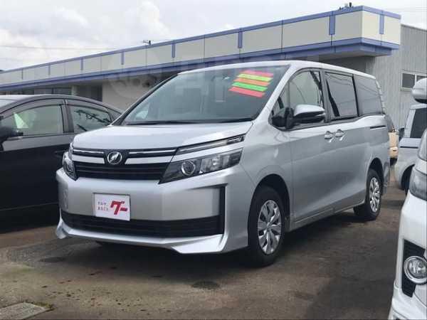 Toyota Voxy, 2016 год, 1 220 000 руб.