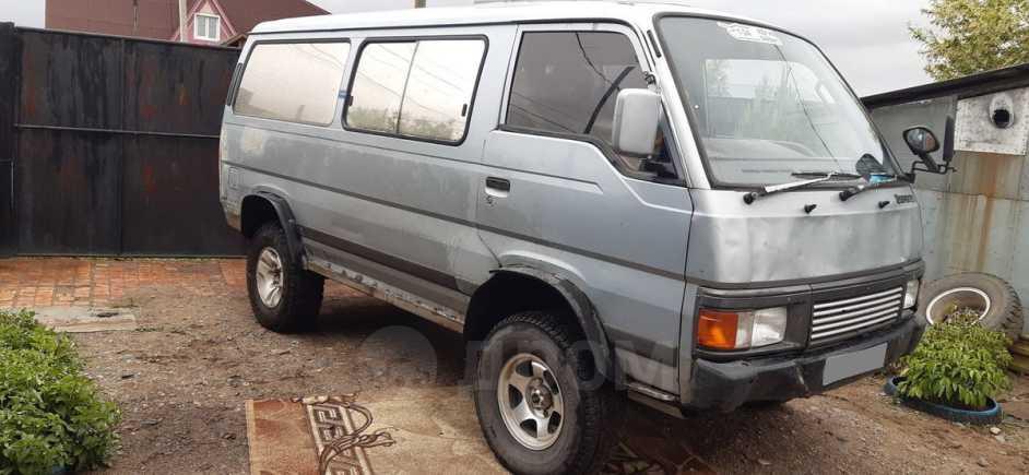 Nissan Caravan, 1992 год, 270 000 руб.
