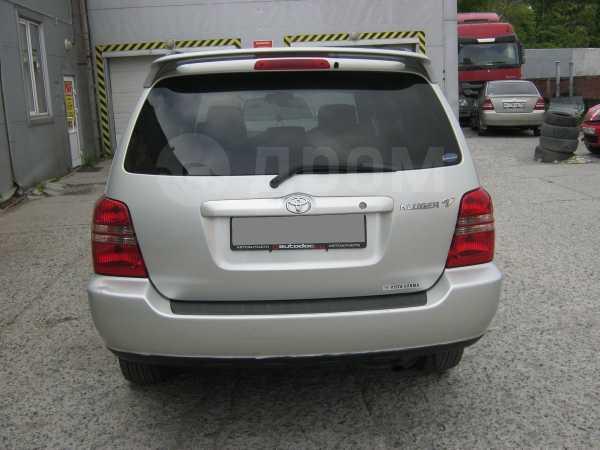 Toyota Kluger V, 2002 год, 630 000 руб.