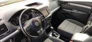 Volkswagen Sharan, 2011 год, 915 000 руб.