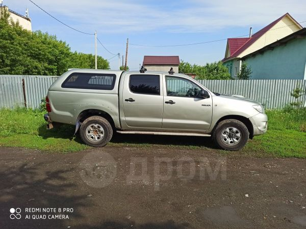Toyota Hilux Pick Up, 2011 год, 800 000 руб.