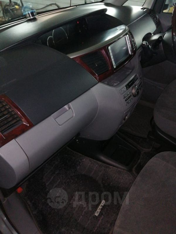 Toyota Noah, 2007 год, 658 000 руб.