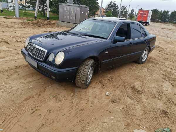 Mercedes-Benz E-Class, 1998 год, 220 000 руб.
