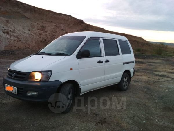 Toyota Town Ace, 2005 год, 440 000 руб.