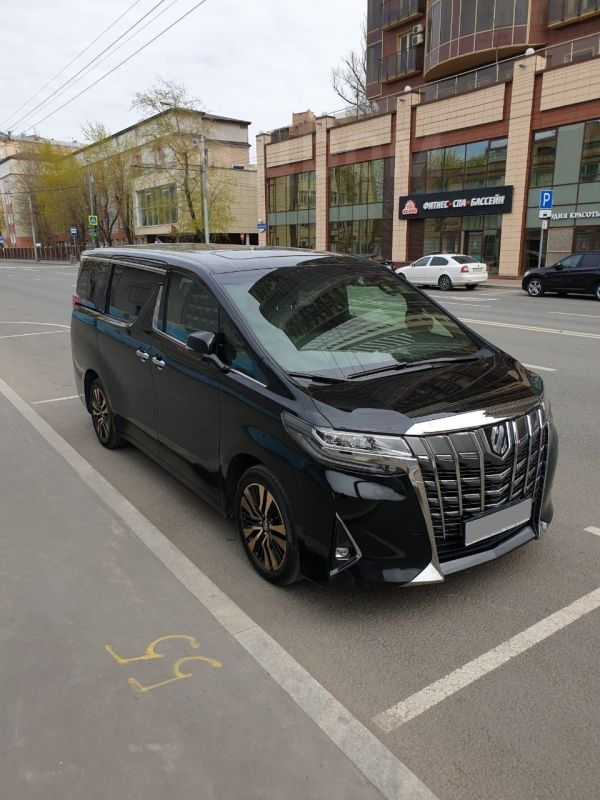 Toyota Alphard, 2019 год, 4 190 000 руб.