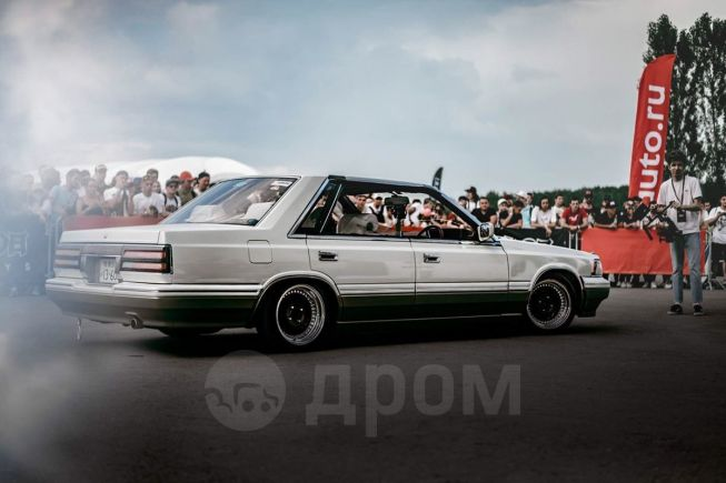 Nissan Laurel, 1988 год, 400 000 руб.