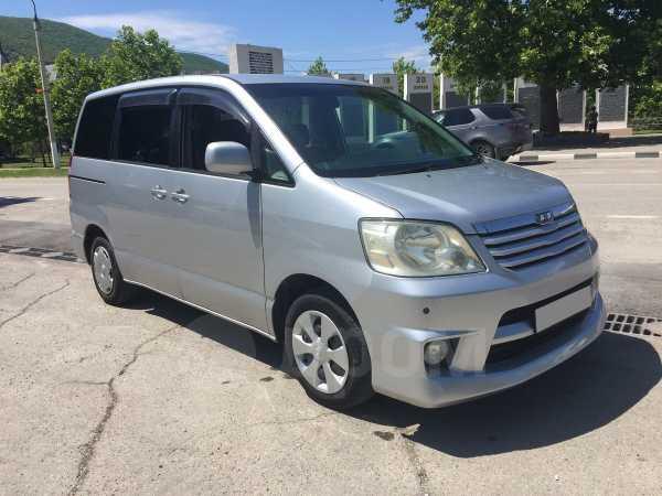 Toyota Noah, 2002 год, 500 000 руб.