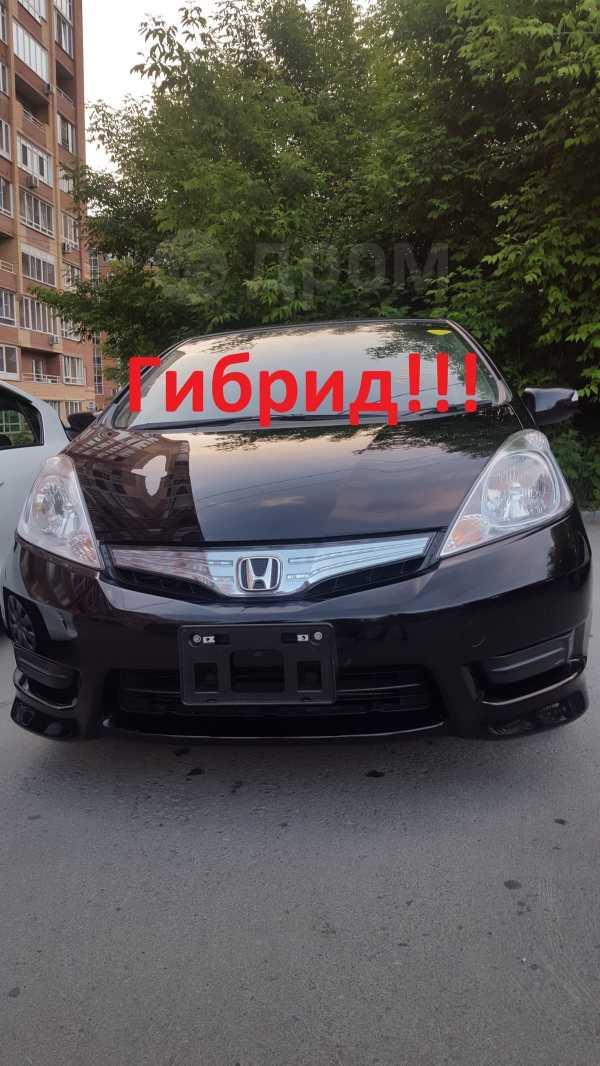 Honda Fit Shuttle, 2012 год, 635 000 руб.