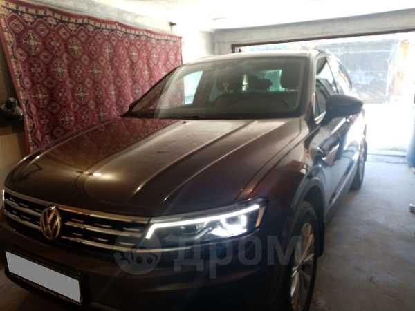 Volkswagen Tiguan, 2017 год, 1 800 000 руб.