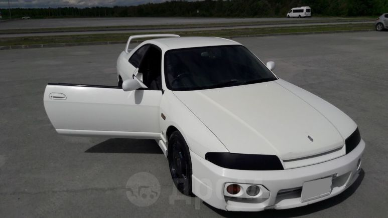 Nissan Skyline, 1998 год, 330 000 руб.