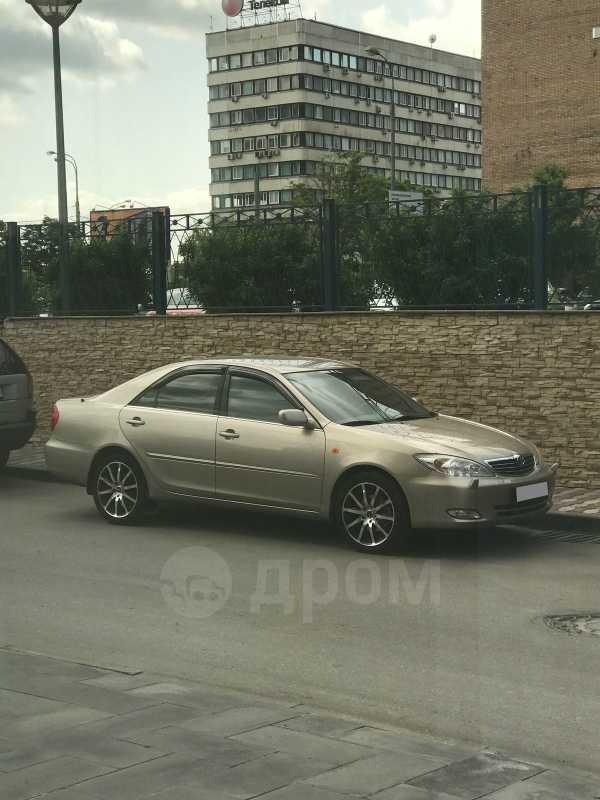 Toyota Camry, 2003 год, 600 000 руб.