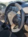 Toyota Prius a, 2013 год, 930 000 руб.