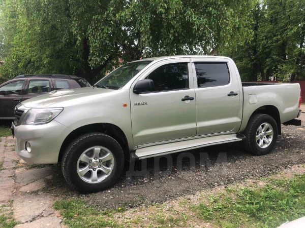 Toyota Hilux Pick Up, 2012 год, 990 000 руб.