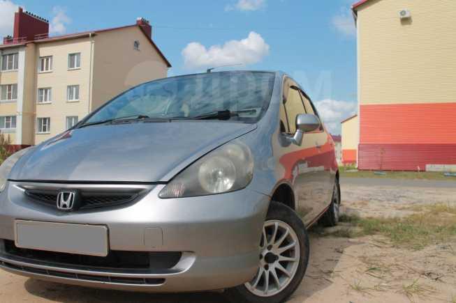 Honda Fit, 2003 год, 215 000 руб.