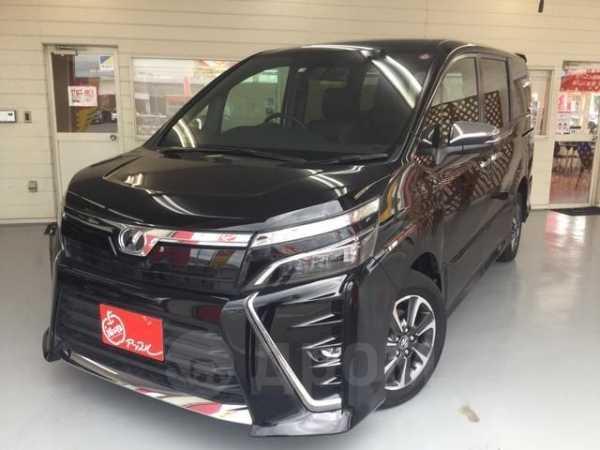 Toyota Voxy, 2017 год, 1 050 000 руб.