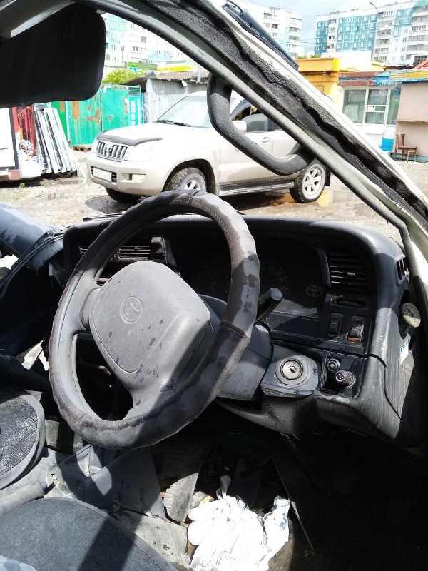 Toyota Hiace, 2003 год, 150 000 руб.