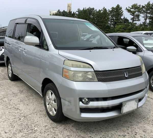 Toyota Voxy, 2005 год, 285 000 руб.