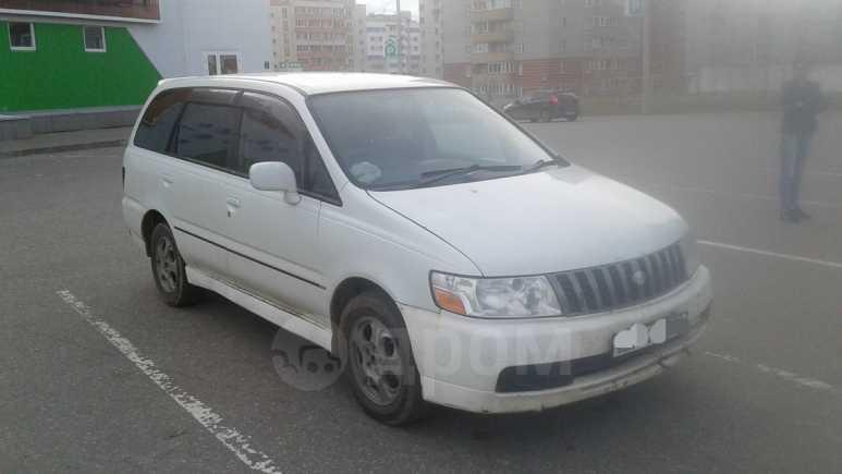 Nissan Bassara, 2000 год, 360 000 руб.