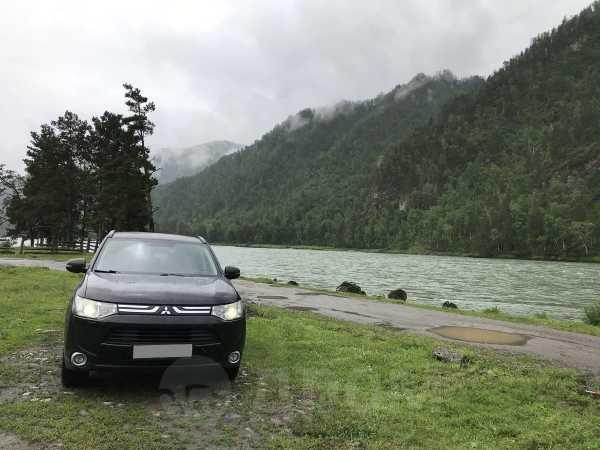 Mitsubishi Outlander, 2013 год, 997 000 руб.