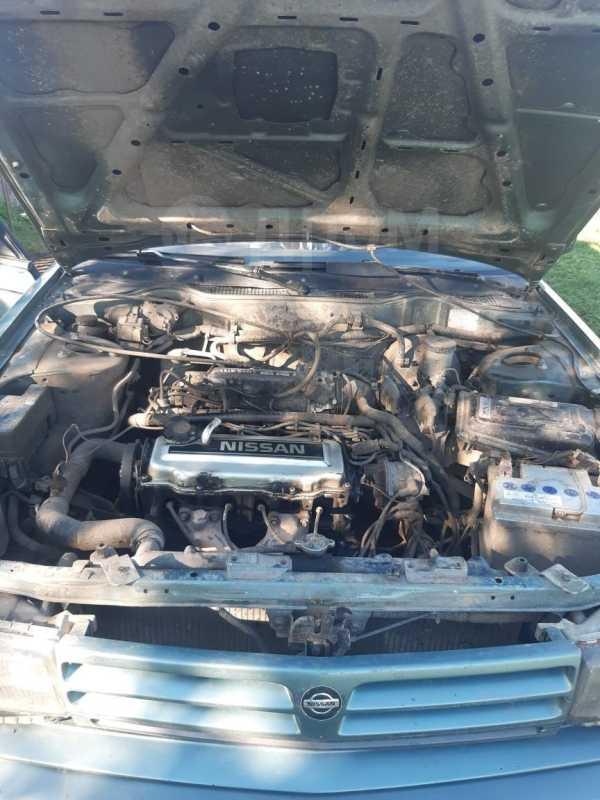 Nissan Bluebird, 1989 год, 30 000 руб.