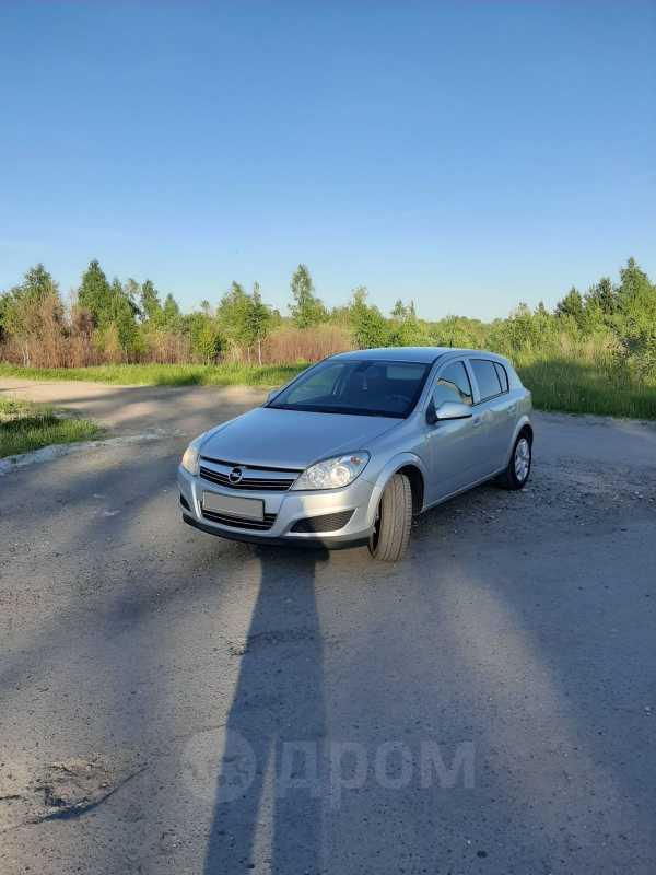 Opel Astra Family, 2011 год, 365 000 руб.