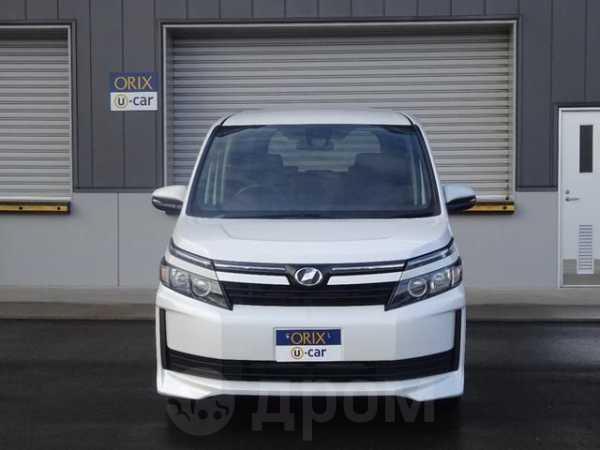 Toyota Voxy, 2017 год, 1 250 000 руб.