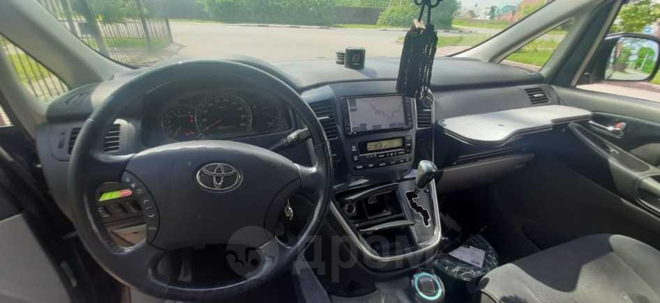 Toyota Alphard, 2005 год, 626 000 руб.