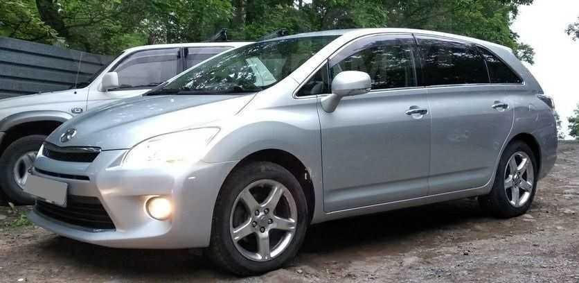Toyota Mark X Zio, 2011 год, 820 000 руб.
