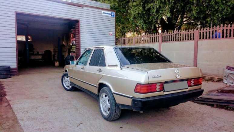 Mercedes-Benz 190, 1985 год, 165 000 руб.