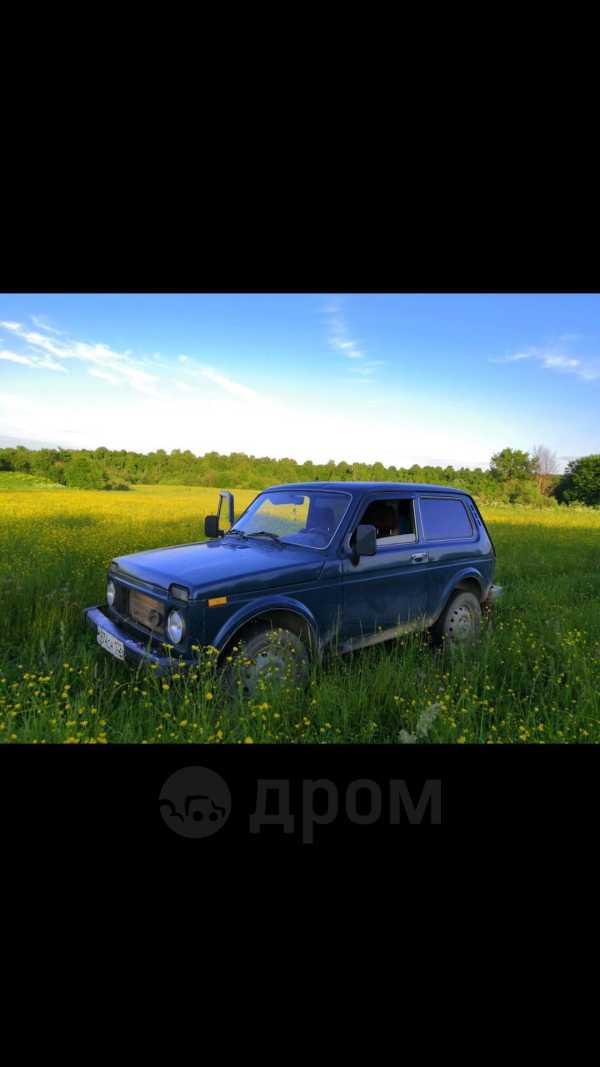 Лада 4x4 2121 Нива, 2000 год, 120 750 руб.