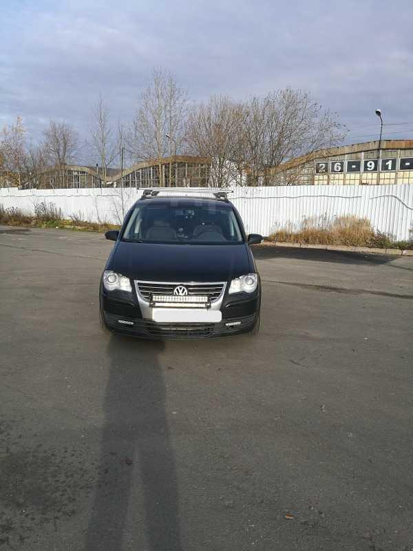 Volkswagen Touran, 2008 год, 387 000 руб.